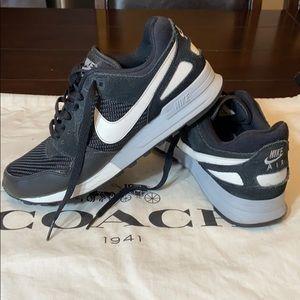 Nike Air Pegasus 89 Sneakers. Women's Size 9.